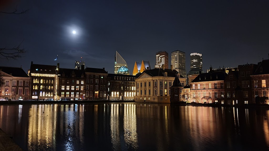 Hofvijver by night